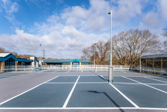 waterproof toppings and bay markings on a raised deck car park design and built by Metpark UK